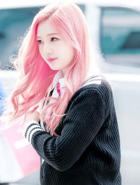 Red Velvetジョイ 髪色